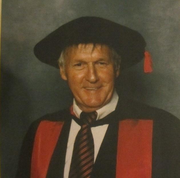 Dr Bob East